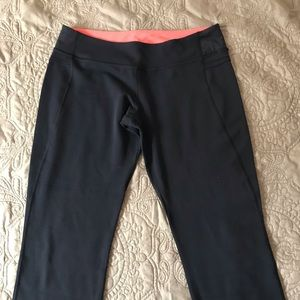 Lululemon Capri yoga pants